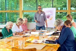 Kunsttherapie - Gruppe mit Demenzkranken