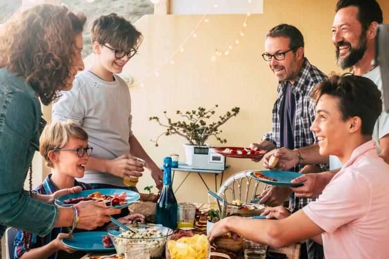 Mahlzeiten in der Gemeinschaft - wichtige soziale Komponente