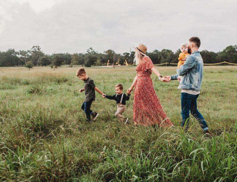 Die Systemik begreift den Menschen als Teil mehrere Systeme, eines davon: die Familie.